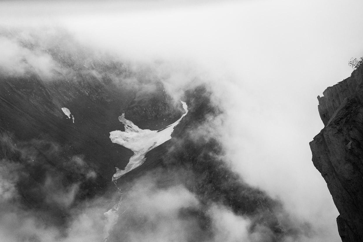 glaciar along srinagar leh highway 1d
